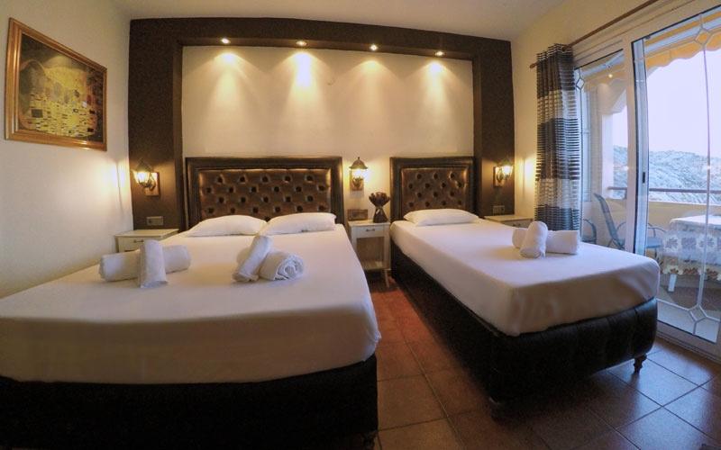 Phoenix Studios Hotel - room photo 15999460