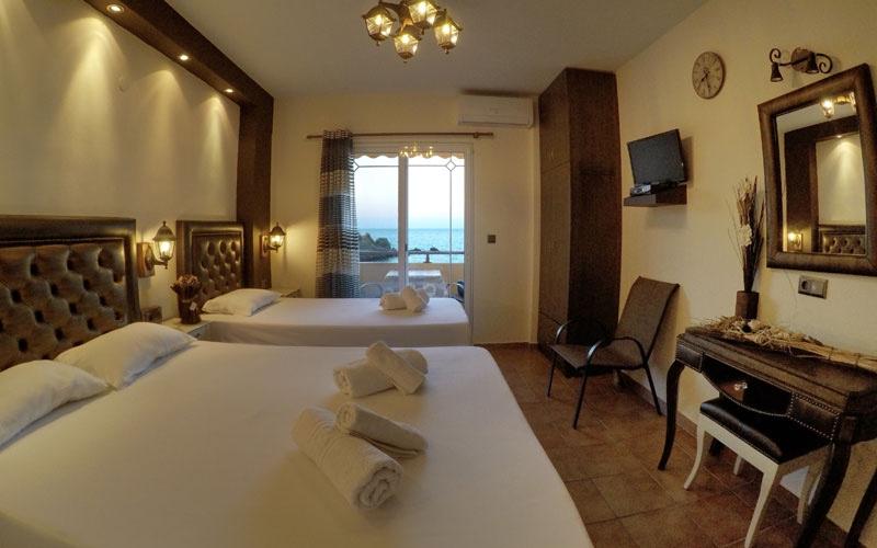 Phoenix Studios Hotel - room photo 15999474