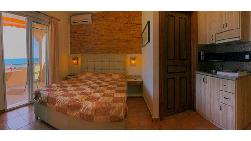 Phoenix Studios Hotel - room photo 15999465